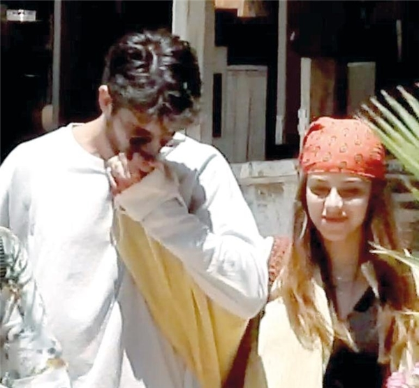 İlayda Alişan ile Serkay Tütüncü'den ilk fotoğraf... Aşıklar el ele!