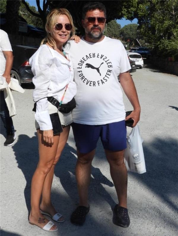 Ece Erken ve sevgilisi Şafak Mahmutyazıcıoğlu'ndan tatil pozu