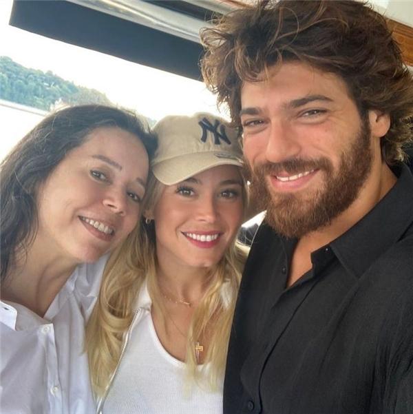 Can Yaman ve sevgilisi Diletta Leotta, İstanbul'da! Aileden onay çıktı...