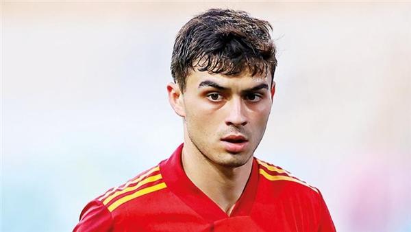 Futbol evine mi dönecek yoksa İtalya'ya mı gidecek?