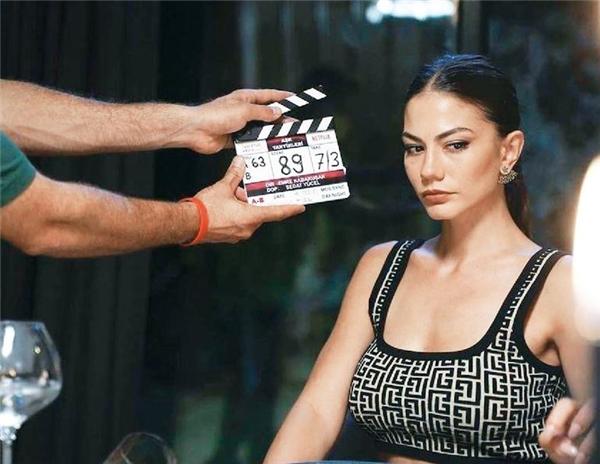 'Aşk Taktikleri' filminden kareler yayınlandı