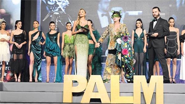 Golden Palm Awards ödül törenine <a class='keyword-sd' href='/erkan-petekkaya/' title='Erkan Petekkaya'>Erkan Petekkaya</a> ile <a class='keyword-sd' href='/binnur-kaya/' title='Binnur Kaya'>Binnur Kaya</a> damga vurdu