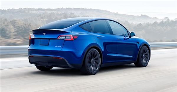 Tesla Araçlar Tek Bir Şarjla Ne Kadar Uzaklığa Gidebilir?